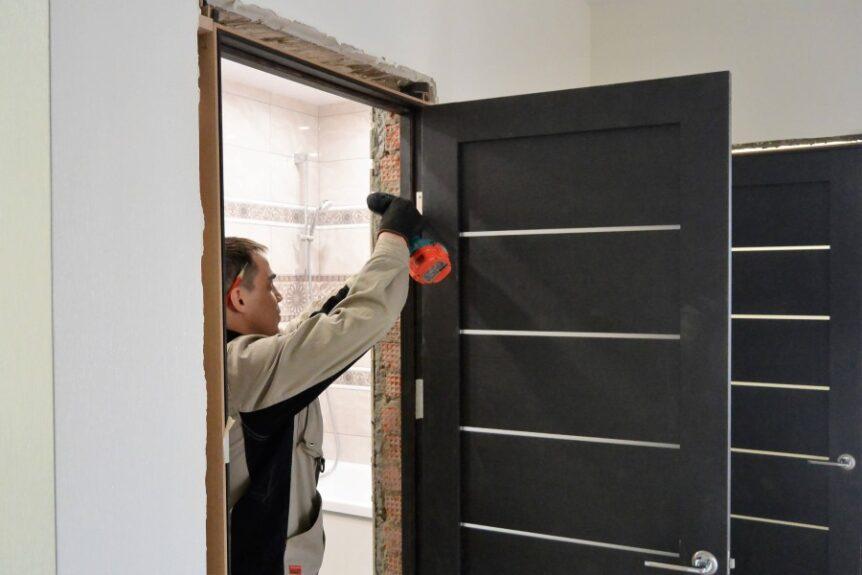 Установка дверей в Калининграде